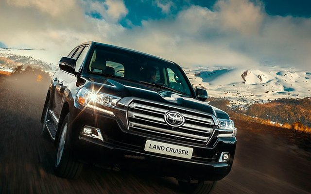 Toyota Land Cruiser 200 Executive 4,6л Бензин 6 АКПП
