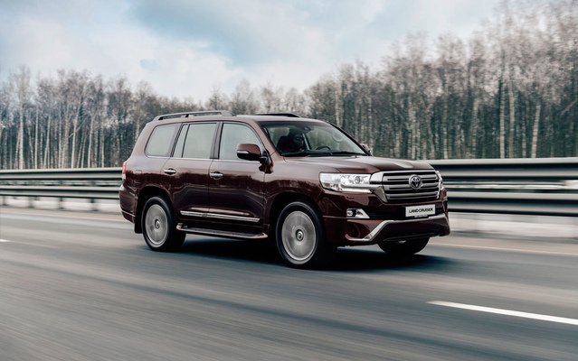 Toyota Land Cruiser 200 Executive Lounge 4,5л Твин-турбо дизель 6 АКПП