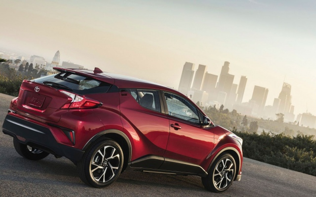 Toyota C-HR Ride 1.2л Турбо Бензин 6 МКПП