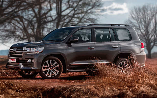 Toyota Land Cruiser 200 TRD 4,5л Твин-турбо дизель 6 АКПП