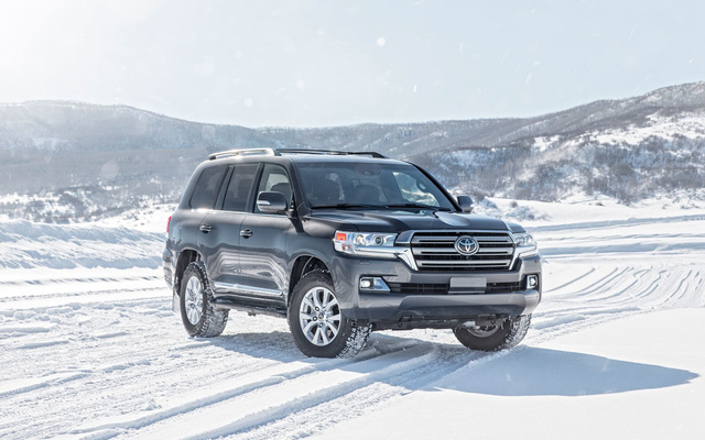 Toyota Land Cruiser 200 Executive 4,5л Твин-турбо дизель 6 АКПП
