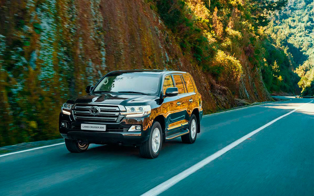 Toyota Land Cruiser 200 Люкс Safety (5 мест) 4,6л Бензин 6 АКПП