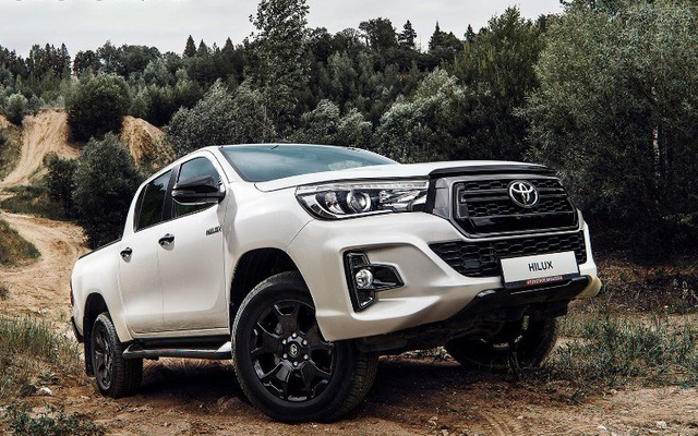 Toyota Hilux Exclusive Black 2.8л Дизель 6 АКПП